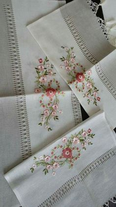 Hardanger Embroidery Ideas Bordados a Mano – Creatividad Manual Embroidery Works, Hardanger Embroidery, Types Of Embroidery, Silk Ribbon Embroidery, Hand Embroidery Patterns, Embroidery Applique, Floral Embroidery, Embroidery Stitches, Machine Embroidery