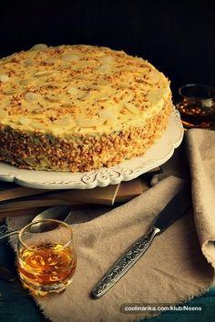 almonds and orange cake