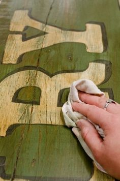 How to make an antique sign. After painting the sign (full tutorial included), use a soft cloth to apply a dark brown furniture wax in a thin layer to entire surface of sign. The wax will settle in the imperfections in the wood, giving the sign an authen Diy Projects To Try, Wood Projects, Craft Projects, Craft Ideas, Project Ideas, Diy Ideas, Decorating Ideas, Wood Crafts, Diy And Crafts