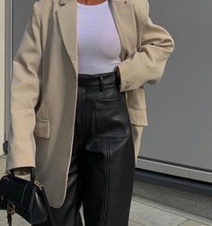 Looks Street Style, Looks Style, Style Me, Minimal Outfit, Minimal Fashion, Mode Outfits, Fashion Outfits, Womens Fashion, Fashion Tips
