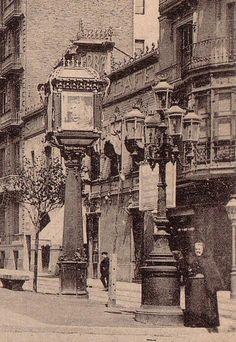 Barcelona, 1897. Fanal anunci a Rambla Catalunya davant del Salón Alhambra Café.