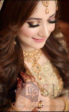 Wedding Looks, Bridal Looks, Bridal Style, Wedding Bride, Pakistani Bridal Makeup, Pakistani Wedding Outfits, Wedding Dresses, Pink Eye Makeup, Skin Makeup