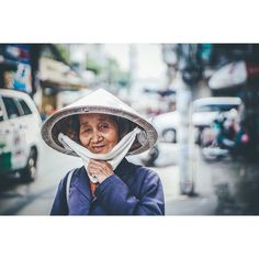 Solo travel and hang with real Vietnamese people ! Always the best ! #VIETNAM#local#Wander#southeastAsia#Aseanmoment#Streetlife#streetportraits# by forasiacheers