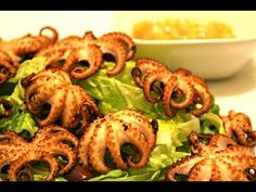 How to clean a baby octopus Octopus Recipes, Mexican Babies, Baby Octopus, Lemon Wedge, Dry White Wine, Vegetable Stir Fry, Red Chilli, Stir Fry Recipes, Fish And Seafood