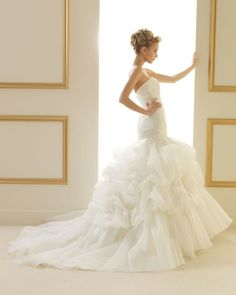 158 TILO / Wedding Dresses / 2013 Collection / Luna Novias (back)