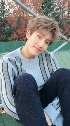 Jins judge face will always be my favorite Kim Myungjun, Rapper, Park Jin Woo, Jinjin Astro, Astro Wallpaper, Lee Dong Min, Astro Fandom Name, Eunwoo Astro, Bearded Men