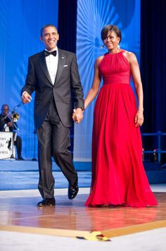 President Barack Obama and First Lady Michelle Obama, wearing Michael Kors (September Annual Phoenix Awards Dinner sponsored by the Congressional Black Caucus Foundation at the Washington Convention Center) Michelle E Barack Obama, Barack Obama Family, Michelle Obama Fashion, Obama President, First Ladies, Happy Birthday Michelle, Best Gowns, Estilo Real, Mode Chic