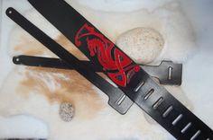 Sangle de guitare cuir dragon rouge noir accessoires par ALeatherCC