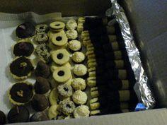 Košíčky s pečenou ořechovou náplní recept | sRecepty.CZ Waffles, Cookies, Breakfast, Desserts, Food, Crack Crackers, Morning Coffee, Tailgate Desserts, Deserts