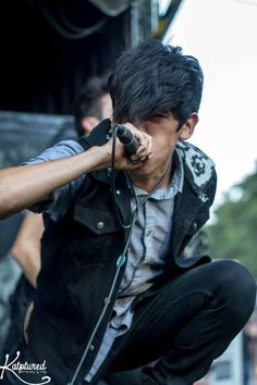 andy leo of crown the empire . (: <3