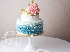 If you've haven't yet used Rose Quartz and Serenity in your designs, we're pretty sure you'll want to after seeing these fabulous cakes!