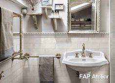 Revestindo as paredes dos banheiros/lavabos