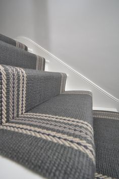 flatweave stair runners Off The Loom - Brampton 2 flatweave stair runners fitted in Richmond. Staircase Carpet Runner, Stair Carpet, Carpet Runners For Stairs, Striped Carpet Stairs, Hallway Carpet, Wall Carpet, Victorian Hallway, Hallway Colours, Flur Design