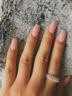 best coffin nail & gel nail designs for summer - Short acrylic nails coffin - Light Pink Acrylic Nails, Classy Acrylic Nails, Summer Acrylic Nails, Neutral Acrylic Nails, Nail Summer, Classy Nails, Summer Fun, Neutral Nail Color, Nail Colors