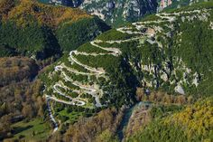 The magical road to Papingo, Ipiros, Northern Greece. What a nice ride this shall be!
