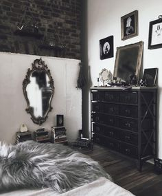 25 Surprisingly Stylish Gothic Bedroom Design and Ideas - ThefischerHouse Dark Home Decor, Goth Home Decor, Gothic Room, Gothic House, Gothic Living Rooms, My New Room, My Room, Goth Bedroom, Gothic Bedroom Decor