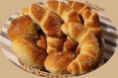 Katica konyhája: Kifli aludttejjel vagy kefírrel Winter Food, Apple Pie, Doughnut, Ale, Baking, Desserts, Tailgate Desserts, Deserts, Ale Beer