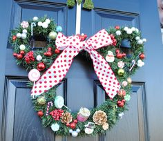 Totally making this wreath for my mom for Christmas!