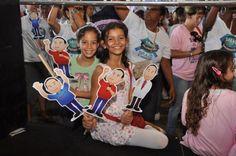 Mais uma ideia com os bonequinhos de candidato. Estes são do Dr. Renan Araújo, candidato do PCdoB a vereador em Salvador. A criançada adora.