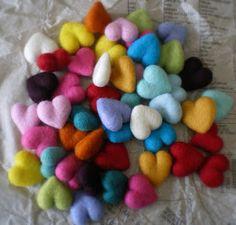 Make a Needle Felted Rattle Ball Toy « Sayo Needle Felted, Felted Wool, Wool Art, Felting Tutorials, Felt Diy, Felt Hearts, Felt Christmas, Felt Flowers, Soft Sculpture