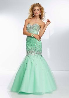 Style YAZAX Beaded Tulle Mermaid Gown  Corset Tie Back. Colors Available: Blush, Bahama Blue, Mint. Sizes AvailableL 0-24.  Precio :$1.506.450 Pesos Colombianos Precio : $ 837 Dolares Americanos