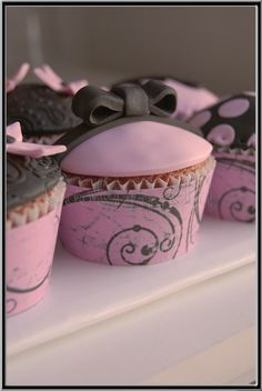 Black & Pink Cupcakes <3