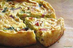 FLAMICHE AUX POIREAUX (pâte brisée, lardons, blancs de poireaux, oeufs, lait, crème, beurre, sel/poivre, muscade)