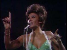 Sem dúvida, uma apresentação memorável da melhor cantora de jazz que o mundo já conheceu, infelizmente essa foi a última aparição em público, de Billie, cuja...