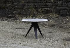 The round version of the BUSY TABLE is a geometrical combination of the circle and the triangle