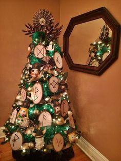 A Very Viking Christmas (Tree) Pagan Christmas Tree, Viking Christmas, Christmas Tree Themes, Diy Christmas Gifts, Christmas Christmas, Vintage Christmas, Yule Traditions, Viking Ornament, Traditional Christmas Tree