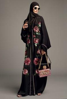The Cultured Twists Behind Dolce and Gabbana New Abayas Arab Fashion, Islamic Fashion, Muslim Fashion, Fashion 2020, Modest Fashion, Boho Fashion, Fashion Outfits, Fashion Design, Abaya Designs