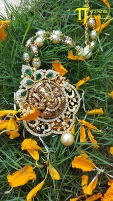 Crystal Jewelry And Healing - Jewelry Springs Emerald Jewelry, Pearl Jewelry, Crystal Jewelry, Pendant Jewelry, Wedding Jewelry, Antique Jewelry, Beaded Jewelry, Gold Jewelry, Gold Pendant