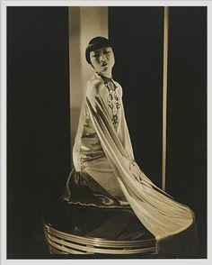 Edward Steichen photograph, Anna May Wong Best Portrait Photographers, Portrait Photography, Vintage Photography, Old Hollywood Glamour, Classic Hollywood, Vintage Outfits, Vintage Fashion, Vintage Style, Anna May