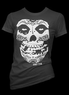 Love this rendish of the Misfits skull!!...