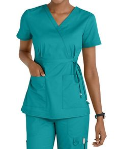Women's scrub tops made from soft materials, designed to keep you cool and fresh all day. Choose from a variety of scrub top styles at Scrubs & Beyond. Scrubs Outfit, Scrubs Uniform, Dope Fashion, Womens Fashion, Cute Scrubs, Iranian Women Fashion, Medical Uniforms, Womens Scrubs, Medical Scrubs