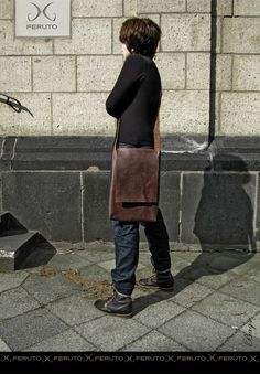 MINIMALIST your leather messenger bag for Macbook by FERUTOBags.