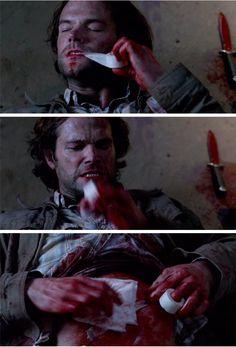 Red Meat // Sam patching himself up<-- Sammy is defiantly a BAMF! Jensen Ackles Supernatural, Supernatural Imagines, Supernatural Funny, Sam Winchester, New Actors, Sam Dean, Demon Hunter, Jared And Jensen, Jared Padalecki
