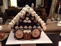Το πιο γλυκό σπίτι για μικρούς και μεγάλους. Christmas Desserts, Christmas Art, Gingerbread, Recipes, Anna, Food, Christmas Deserts, Ginger Beard, Eten