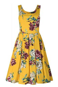 Gorgeous Amanda Inspired Yellow Rose Print Dress with Hidden Pockets & a Scoop Neckline You want to brighten up your day? We believe this Amanda dress can do it! The pin up girl style dress has been cut to compliment your curves! The retro frock featu Vintage Inspired Fashion, 1950s Fashion, Dresses Uk, Fashion Dresses, Summer Dresses, Spring Fashion, Girl Fashion, Rose Print Dress, Swing Skirt