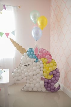 Magically Inspiring Unicorn Crafts, DIYs, Foods and Gift Ideas perfect for a unicorn themed birthday party or for anyone who is obsessed with unicorns! Unicorn Themed Birthday Party, 1st Birthday Parties, Birthday Party Decorations, Girl Birthday, Cake Birthday, Ballons Pastel, Unicorn Balloon, Rainbow Parties, Deco Originale