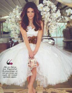 Tlife.gr: Πρόβα νυφικού για την Βάσω Λασκαράκη! Φωτογραφίες Gene Tierney, Ava Gardner, Tulle, Flower Girl Dresses, Actors, Wedding Dresses, Celebrities, Skirts, Fashion
