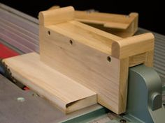 Idea for Table Saw Push Block. If I make it I will modify it and put my handles on right hand side. Goal is never be directly behind the blade again.