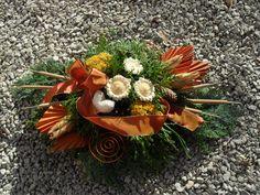 Landleben-Susanne Flower Arrangements, Succulents, Flowers, Plants, Color, Xmas Decorations, Christmas Decor, Dried Flowers, Cemetery Decorations