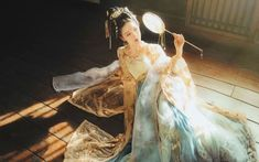 Hanfu Photo Sharing of Ruqun-Return to the Tang Dynasty Traditional Fashion, Traditional Dresses, Traditional Chinese, Japan Fashion, China Fashion, Asian Style, Chinese Style, Fairytale Dress, Chinese Clothing