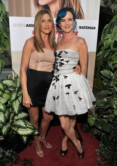 Pin for Later: Birthday Girl Jennifer Aniston's Got More Famous Friends Than We Can Count  Jennifer posed with Juliette Lewis at the LA premiere of The Switch in August 2010 — fun fact: they both dated Brad Pitt!