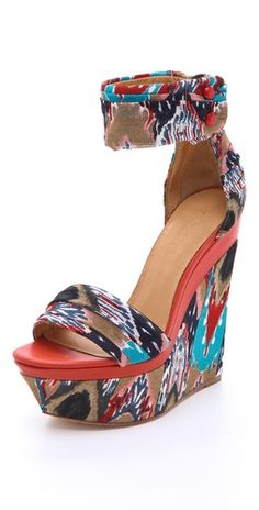 L.A.M.B. Iowa Printed Wedge Sandals. http://fashionlovestruck.com/nyc-chic/#