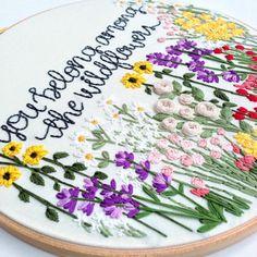 Motif de broderie à la main fleurs sauvages: par KnottyDickens