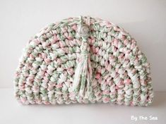 T shirt yarn crochet Clutch Bag Tea Rose by BytheSeajewel Crochet Clutch Bags, Crotchet Bags, Crochet Tote, Crochet Handbags, Knitted Bags, Diy Crochet, Purse Patterns Free, Crochet Purse Patterns, Crochet Fabric