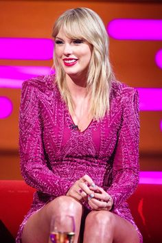 Taylor Swift came face-to-face with ex Joe Jonas' new wife Sophie Turner later this week, as the two stars are both set to appear on The Graham Norton Show. Taylor Swift Style, Taylor Alison Swift, Live Taylor, Jason Statham, Entertainment Weekly, Beetlejuice, Graham, Norton Show, Corte Bob