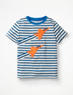 Sharks, tigers, and dinosaurs: our boys' graphic T-shirts have them all. Browse glow-in-the-dark T-shirts, logo and slogan tops and rugby shirts at Boden. Stylish Boy Clothes, Stylish Boys, T Shirt Photo Printing, Slogan Tops, Fall College Outfits, Going Out Shirts, Mode Online, Boys T Shirts, Kind Mode